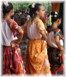 paraguayan-dancing-girls